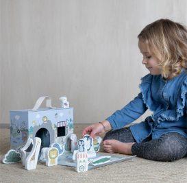 1246-aec948c5-700-Little-Dutch-Play-box